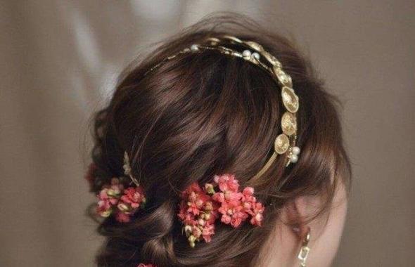 有人在拍婚紗照的前3、4個月去燙頭發的嗎?