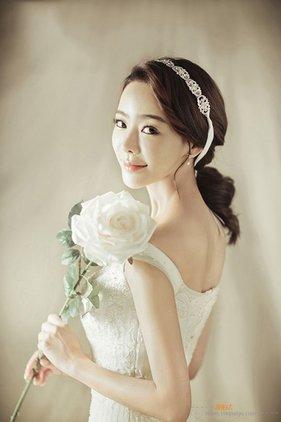 室内韩式风格婚纱摄影图片欣赏