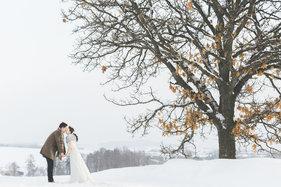 雪景婚纱照图片,冬季情侣婚纱照美图欣赏